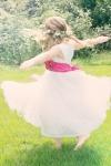 dancing-girl-556772_1920